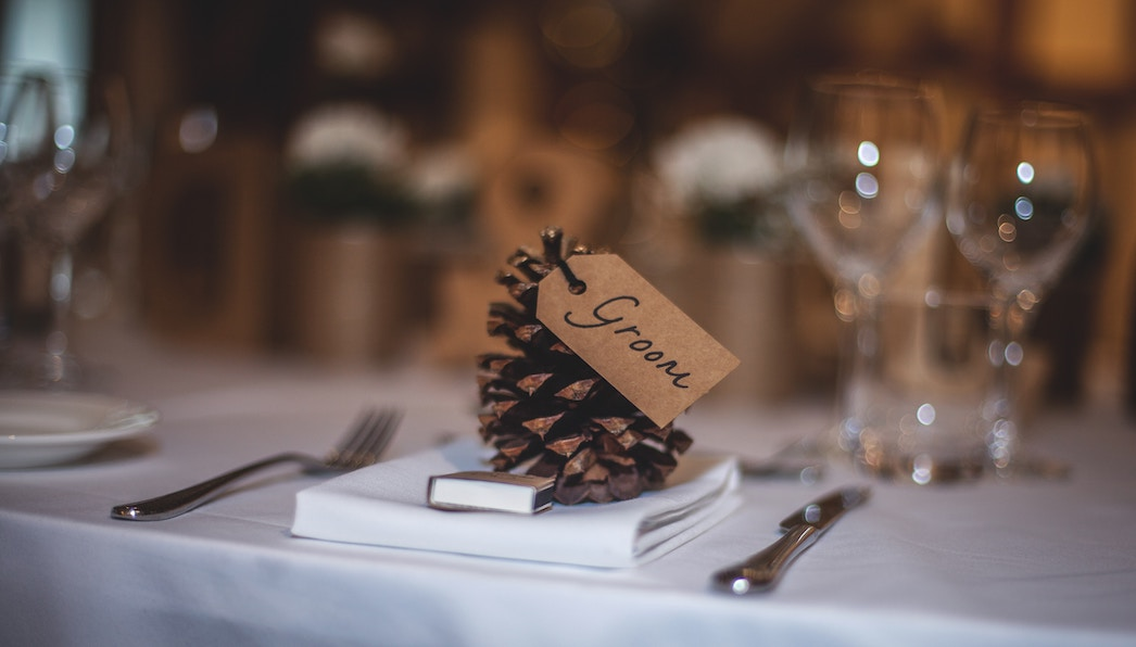 Tischdekoration für die Hochzeit